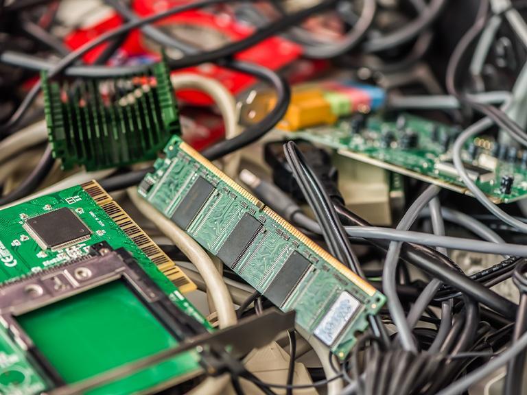 zużyty sprzęt elektroniczny
